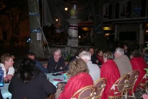 diner dehors samedi soir sur la place