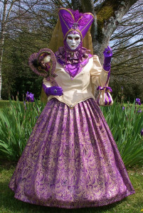 2° version de Violetta avec une nouvelle jupe en brocart